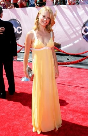 Claire Coffee imagen 4