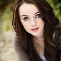 Kacey Rohl imagen 1